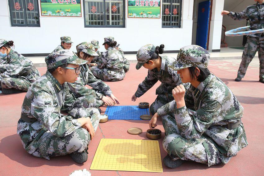 课间文娱-下围棋