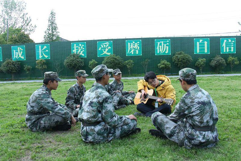 孩子喜欢跳舞、唱歌、弹吉他就是不务正业么?